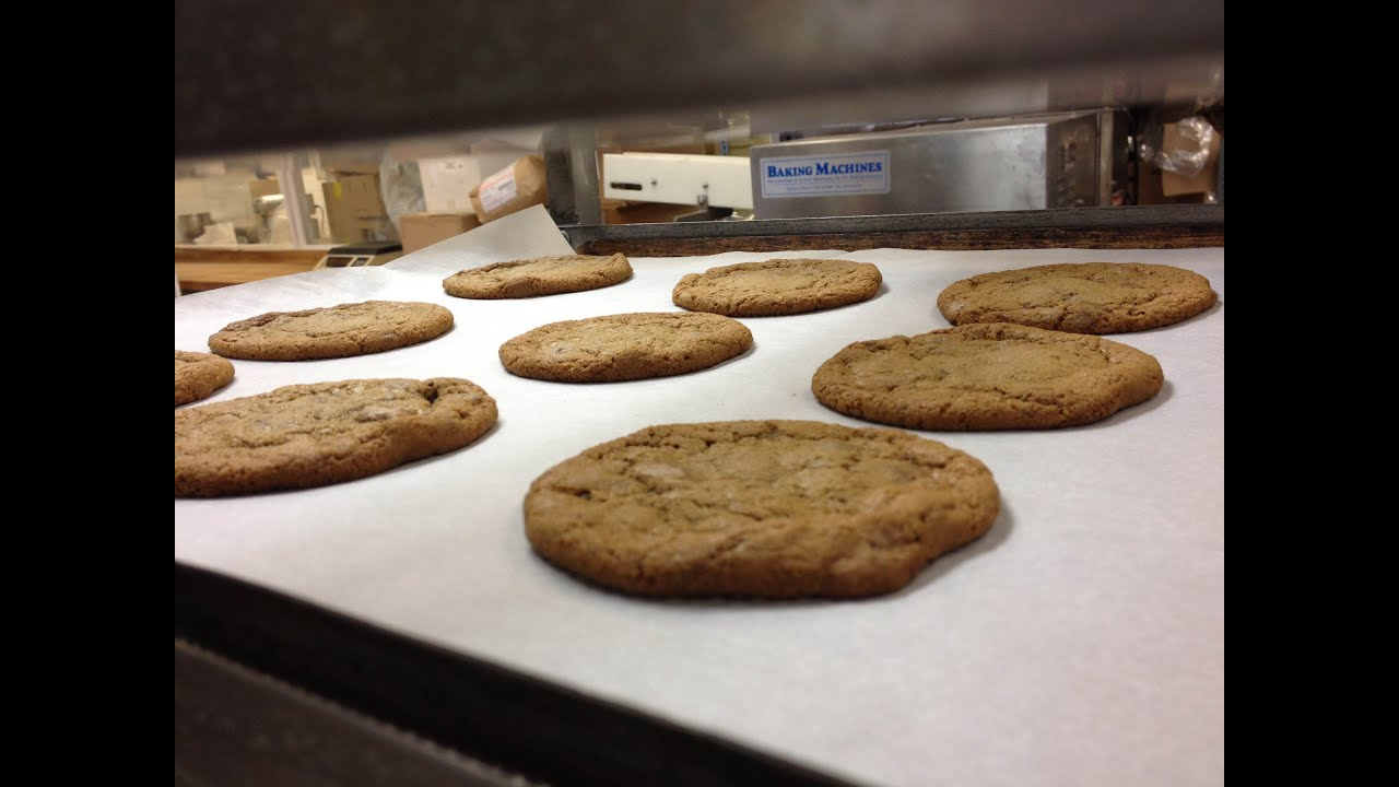 Baking Cookies In A Convection Oven ~ Quick fix baking chocolate chip cookies in an industrial