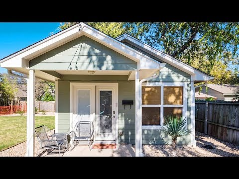 Centrally Located Casita- Fresh & Bright Cottage House   Lovely Tiny House