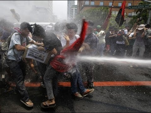 Obama protesters put down with fire hoses - OH THE IRONY! & Obama protesters put down with fire hoses - OH THE IRONY! - YouTube