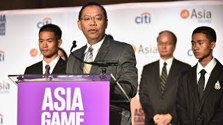 Heroes From Thai Cave Rescue Accept Asia Game Changer Award
