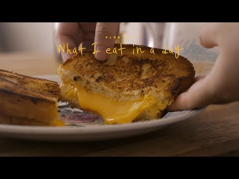 [SUB] VLOG #26 하루세끼, 그릴드치즈샌드위치와 김치찌개 : What I eat in a day, sandwich and kimchi-jjigae   Honeykki
