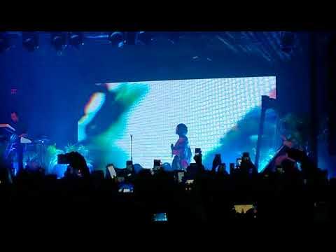 Jhene Aiko - While We're Young ('Trip' the Tour 2017, Atlanta, GA)