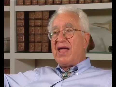 Murray Gell-Mann - Almost getting drafted; a letter to the Physical Review (64/200)