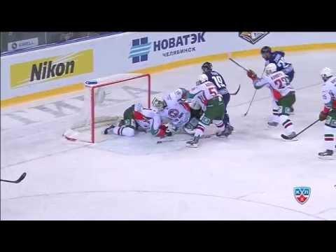 Илья Никулин выручает вратаря Нильссона / Nikulin clear the puck from Nilsson's back