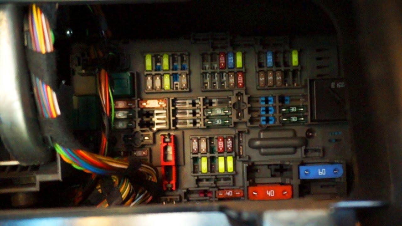 Peterbilt Fuse Panel Diagram Hyundai Sonata Stereo Wiring Bmw X1 E84 Cabin Fuses Location - Youtube