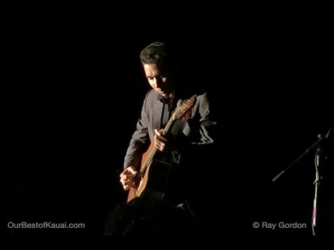 Makana Sings Portuguese Folk Song