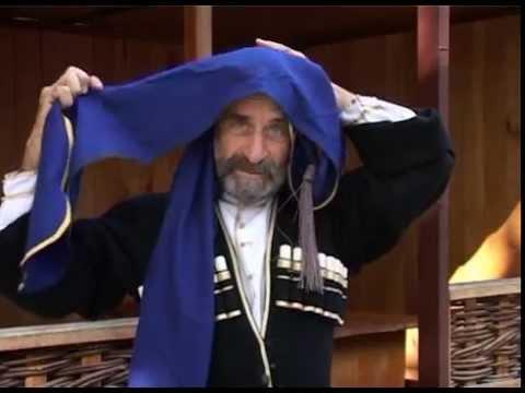 Абхазская национальная одежда. 480p.