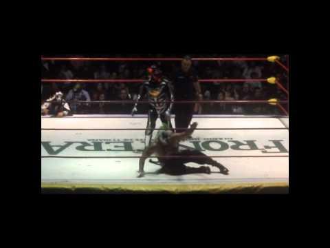 Los Psycho Circus vs Las Parkas JuntosTijuana 2012 by DiiBeR