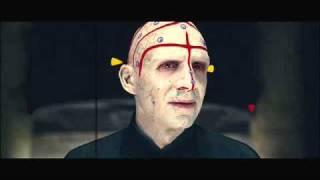 The Quest: Ralph Fiennes se transforma em Lord Voldemort