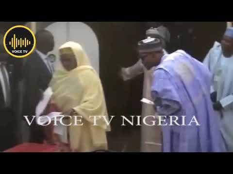 Nigeria 2019 Election:  Buhari Panics As Wife Cast Vote
