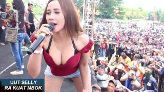 UUT SELLY NGAK KUAT MBOK DANGDUT KOPLO HOT 2017