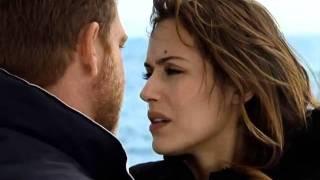 El Barco - El Capitán y Julia se besan