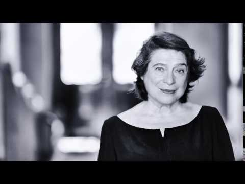 Elisabeth Leonskaja – Mozart Piano Concerto No. 22 in E flat major K482 (BBC Proms 2015)