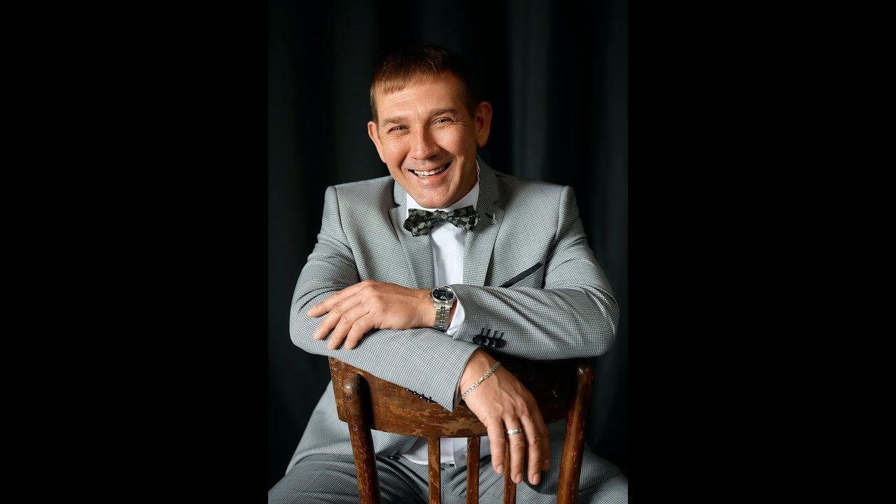 Ведущий Олег Рыжонков. Новогодний тост