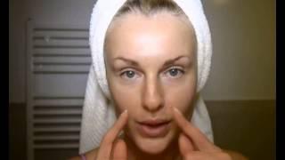 видео Как правильно наносить крем вокруг глаз: техника нанесения