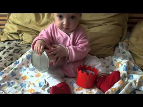 Развитие ребенка в 8 месяцев. Развивающие игры дома