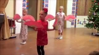 Китайский танец с веерами в детском саду