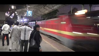 Deadly Evening Aggression by 24 Coach Superfast Vidharbha Express At Kurla, Mumbai !!!