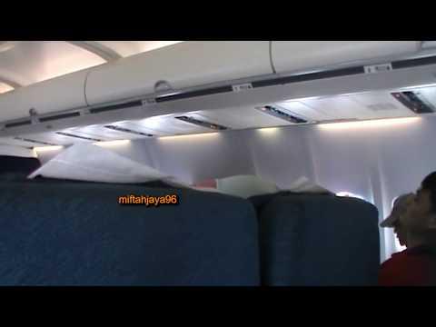 HEBOOOH !!! Suasana Ketika Pesawat NAM Air Memasuki Cuaca Yang Buruk