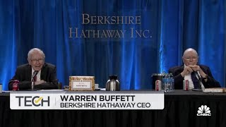 Warren Buffett: Concerned about how Robinhood handles source of income