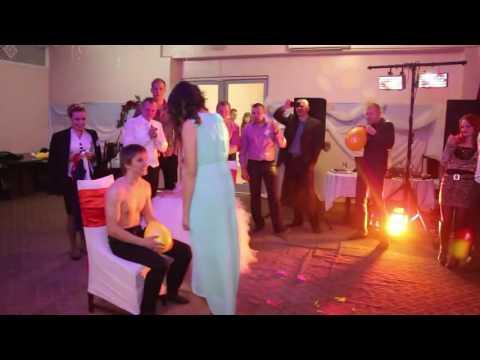 Видео, Пошлые и смешные свадебный конкурс.Гости в восторге