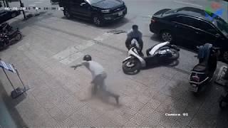 Hài hước trộm xe bị phát hiện chạy té khói