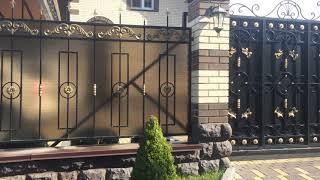 видео Забор кованый с поликарбонатом