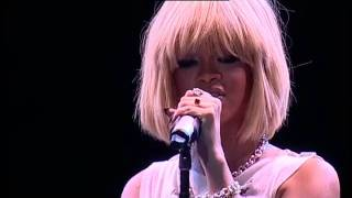Rihanna - California King Bed - Jingle Bell Ball 2011