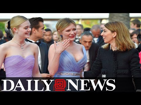 Kirsten Dunst Randomly Breaks Down In Tears On Cannes Red Carpet