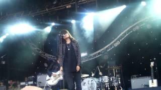 Dead Weather - 60 Feet Tall (Live at Glastonbury 2009) HD