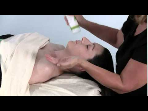 Lomi Massage Techniques With Gloria Coppola: Lomi Massage Techniques For The Face