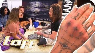 MAORI TATTOO mit Hammer? Dilara Günes auf der Tattoo-Convention Frankfurt | taff | ProSieben