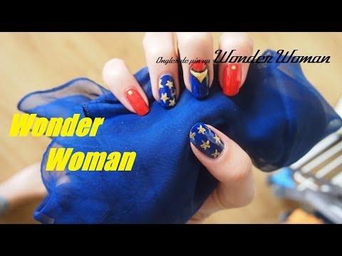 Nail art Halloween - Super Hero - Wonder Woman