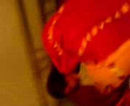 Cloede krigt schläge mit dem gürtel ;)Kaynak: YouTube · Süre: 54 saniye