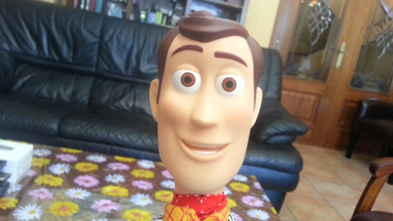 dd4d71ee61ad6 La Réplica Del Muñeco Woody De Toy Story - YouTube