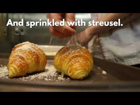 How to make a salted egg yolk croissant