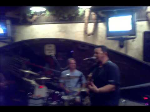Shaghai Reds Bar and Grill Palm Springs.wmv