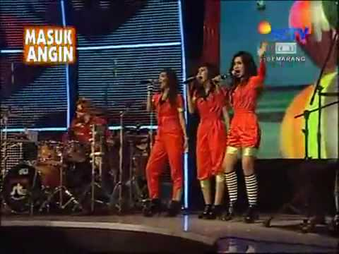 st 12 feat charly angels aku padamu.......flv