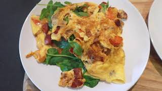 Omelette with chorizo and sala…