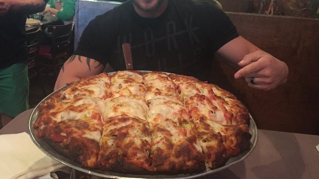 eating challenge  wicks pizza pub 8lb pizza challenge