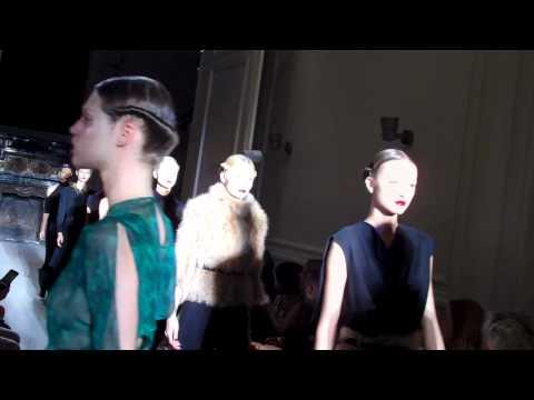 Fashion Broadcasting @ Yves Saint Laurent SS 2010/11 Paris