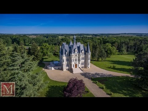 Exceptional Chateau for sale near Poitiers, France - of a rare elegance. Maxwell-Baynes: 3824445