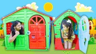 Sarah brinca de vizinhas com casas de brinquedos ⭐️ Kid play with funny Playhouses toys