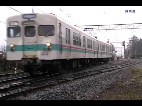 上毛電気鉄道1999/350型同士の交...