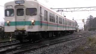 上毛電気鉄道1999/350型同士の交換風景