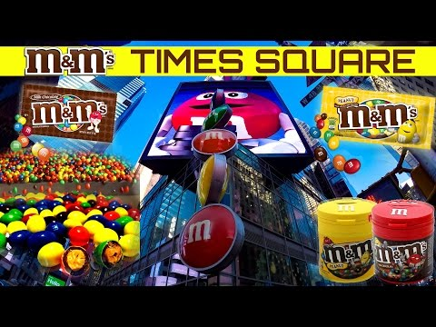 TIMES SQUARE M&M'S WORLD CANDY STORE for kids NEW YORK NYC MANHATTAN