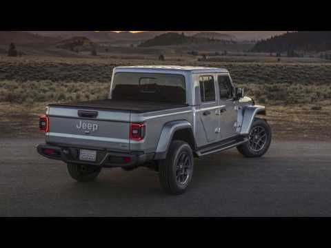2020-jeep-gladiator-overland- -hebert's-town-&-country-chrysler-dodge-jeep-ram