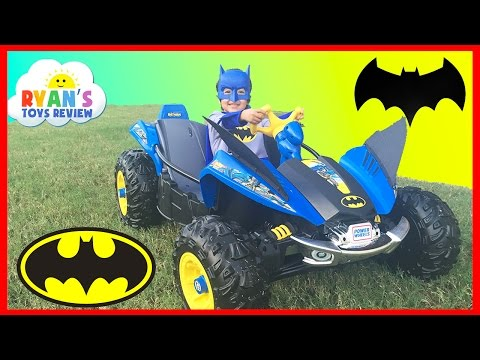 BATMAN BATMOBILE Power Wheels Batman 12V Dune Racer Powered Ride On Car For Kids Unboxing And Riding