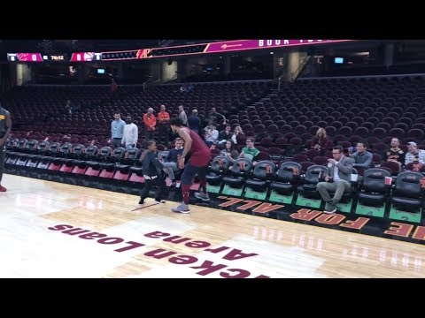 Derrick Rose stripped by son during pregame warmups | ESPN