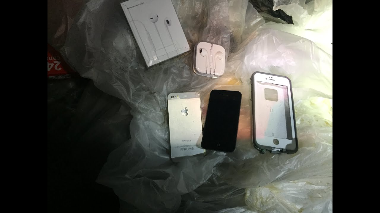 Dumpster Diving Apple Store! Found IPhones and More!